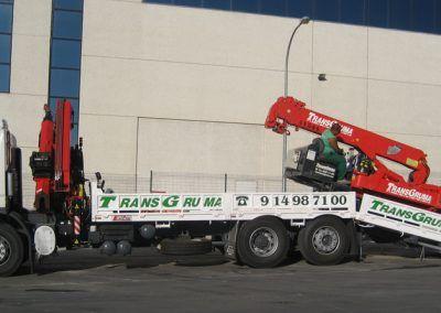 camion-grua-portamaquinaria