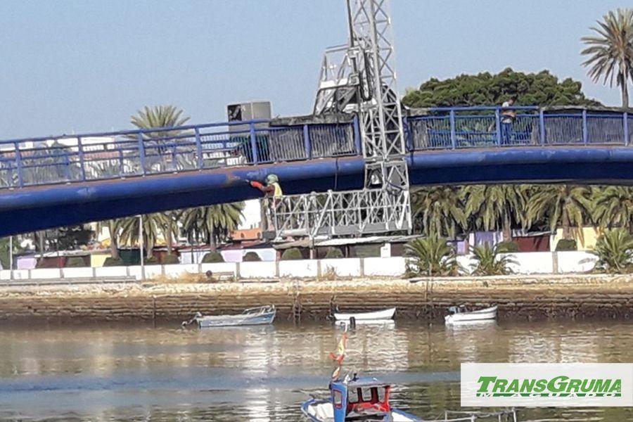 Plataformas elevadoras sobre camion limpieza de aerogeneradores